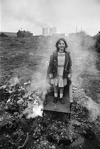 GB. ENGLAND. Middlesborough. Children playing on waste ground. 1976.