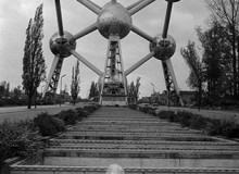 There was a time when nuclear energy was seen as a miracle panacea. In this park near Brussels, people could lunch in one of the atoms of a model molecule. 1962